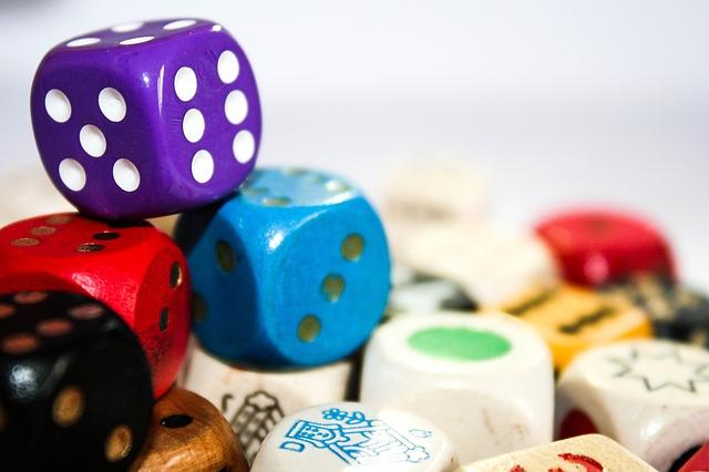 Mündliches Erzählen mit den Story Cubes fördern